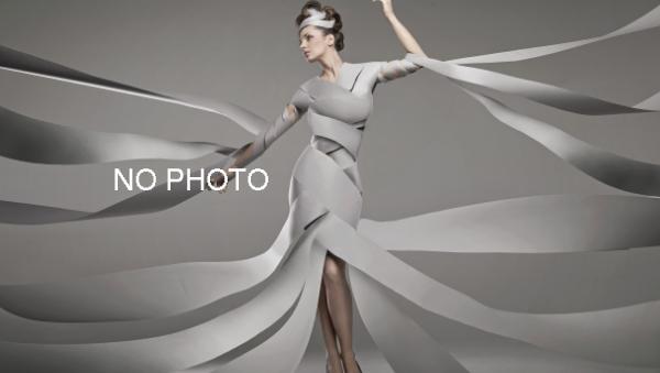 Off-White™ 推出单色旅行箱系列